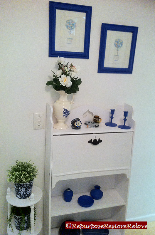 love blue and white, it is always cool and refreshing. at an entry ...